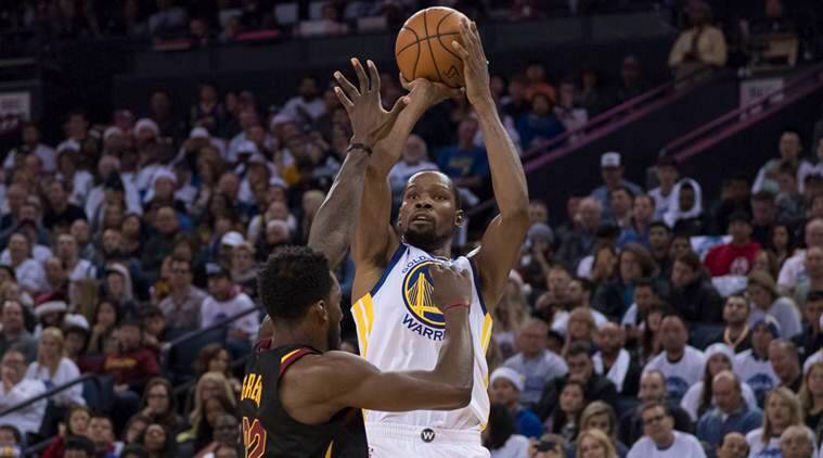 Nba Kevin Durant Delivers On Both Ends Golden State Warriors Beat