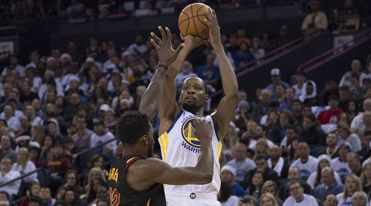 half off 5a1e0 3135a NBA: Kevin Durant delivers on both ends, Golden State ...