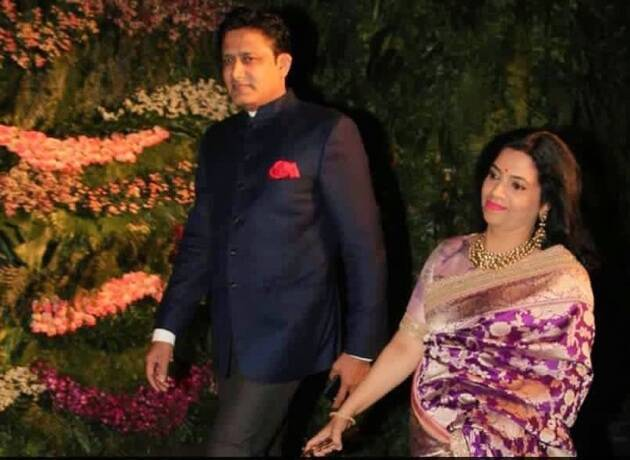 Virat Kohli Anushka Sharma Mumbai reception pictures photos