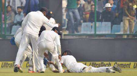 India vs Sri Lanka: Shikhar Dhawan falls to a bizarre 'one shoe' catch, watch video