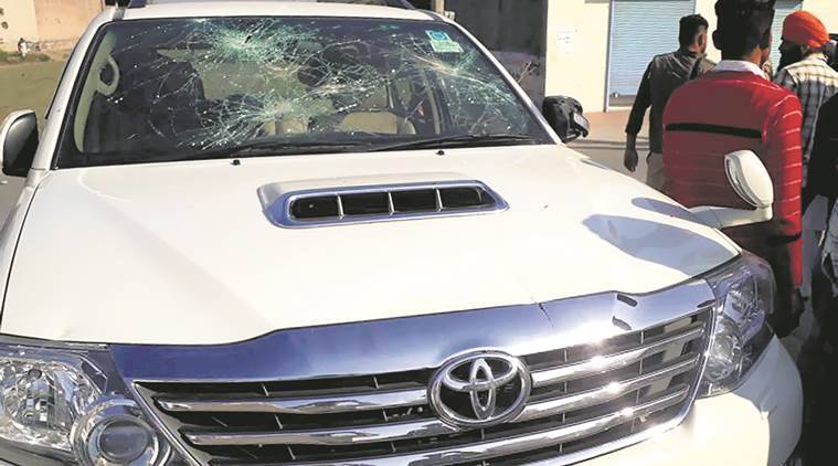 Bricks, stones hurled, shots fired in Mallanwala