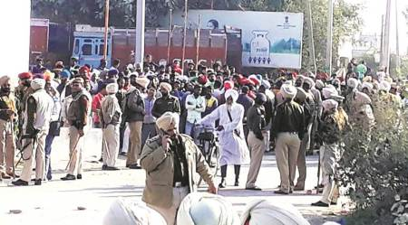 Congress, SAD workers clash in Mallanwala; bricks, stones hurled, shots fired