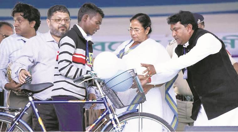 Financial aid for migrants who want to return, says CM Mamata Banerjee