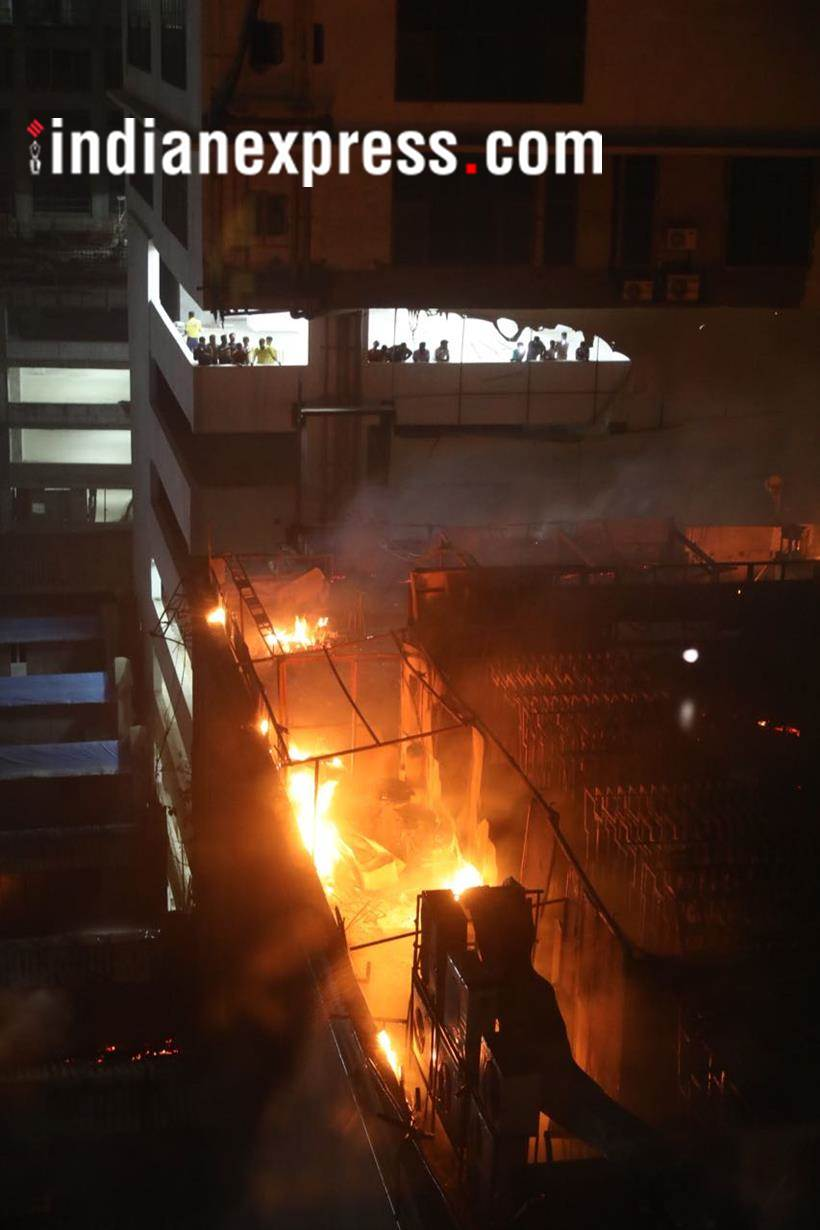 Kamala Mills Building fire, Mumbai fire, Mumbai, Fire, kamala mills compound, Kamla Mills fire, Mumbai Kamala Mills fire, London Taxi Gastropub, London Taxi Gastropub fire, London Taxi Gastropub restaurant, Mumbai pub fire, KEM hospital Mumbai, Mumbai news, India news