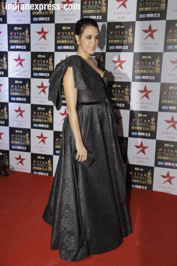 neha dhupia at star screen awards