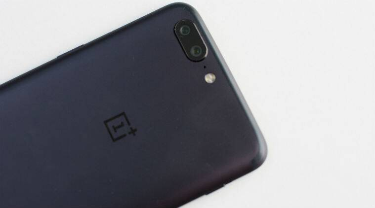 OnePlus 5T Gets OxygenOS 4.5.15 Software Update