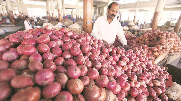 Onion price takes a plunge, trades below Rs 10 per kg