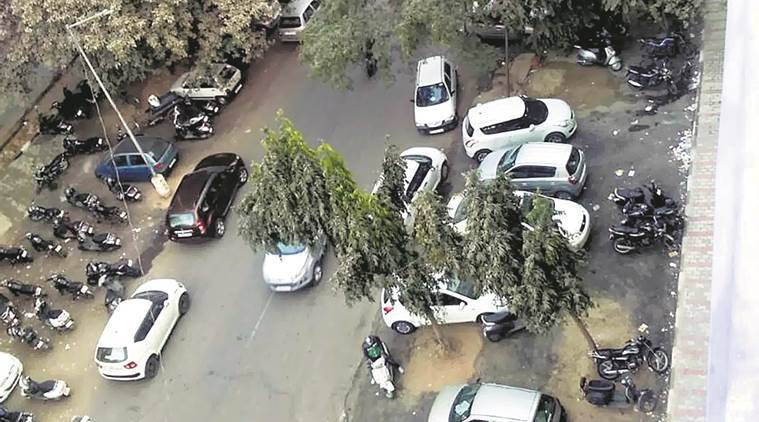 chandigarh, parking lot, parking fee, car park, car parking outside lot, chandigarh news, indian express