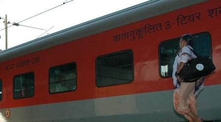 Rajdhani Express engine develops snag
