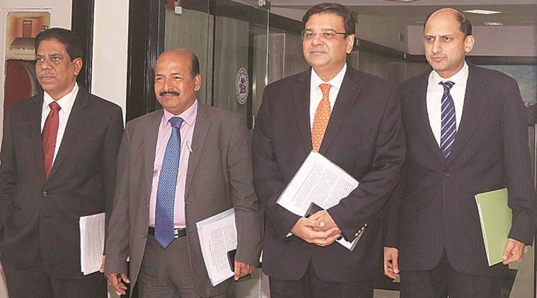 Major banks slip ahead of RBI monetary policy outcome