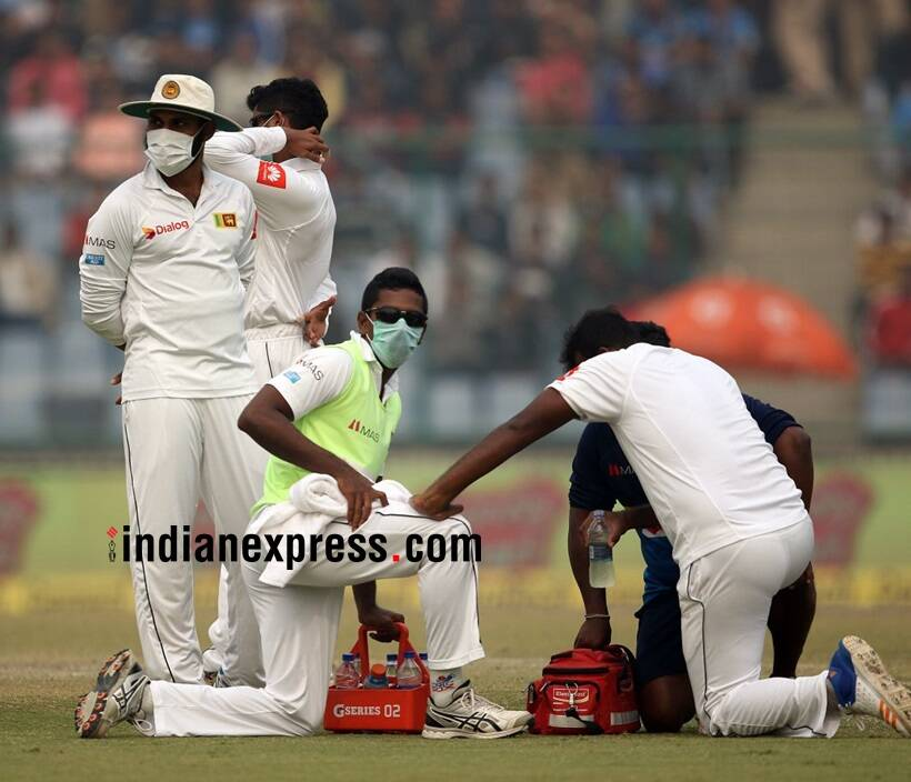Sri Lankan players wear face masks due to Delhi smog