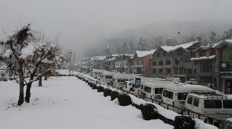 Three prime tourist resorts in Kashmir Valley register 111 violations