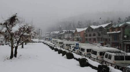 jammu landslide, fresh landslide in jammu, jammu srinagar national highway, national highway blocked, kashmir valley, kashmir valley cut off, indian express