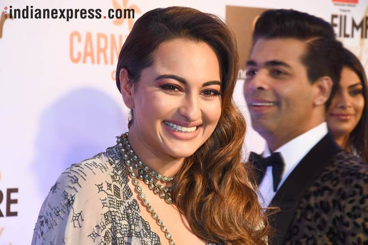 sonakshi sinha at filmfare glamour and style awards