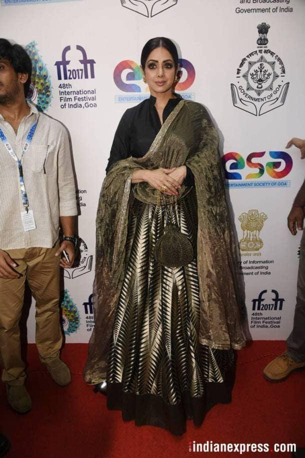 Golden gowns, Deepika Padukone, Priyanka Chopra, Sonam Kapoor, Kareena Kapoor Khan, Vidya Balan, Malaika Arora, Suhana Khan, Sridevi, Karisma Kapoor