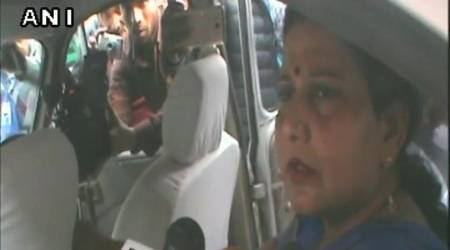 Vande Mataram row: BSP Mayor refuses to stand during national song, BJP councillorsprotest