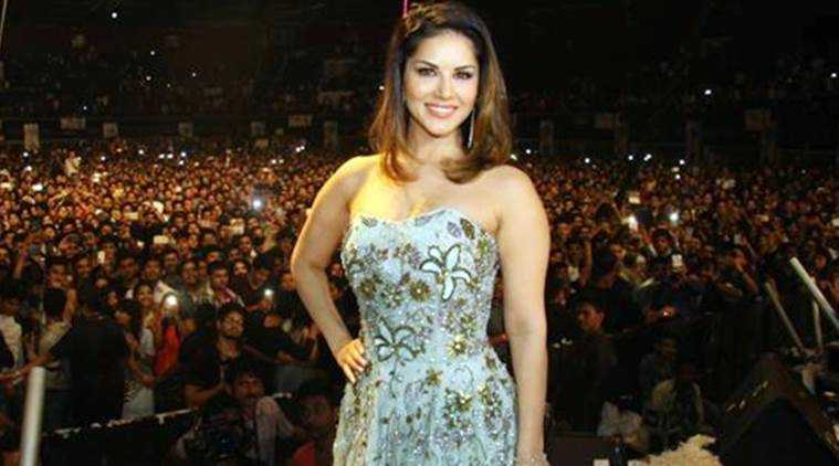 Sunny Leone, sunny leone new year eve event, sunny leone event, Sunny Leone new year event, Bengaluru Sunny Leone new year event, India News, Indian Express, Indian Express News