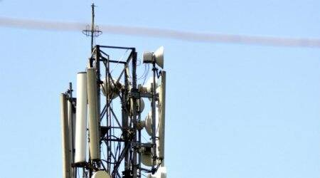 Govt has identified 5G spectrum bands, will implement services by 2020: ManojSinha