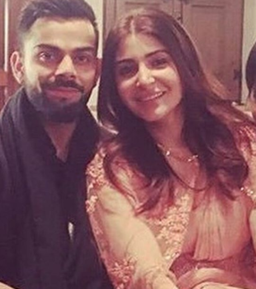 What did the guests receive during Kohli, Anushka's wedding?