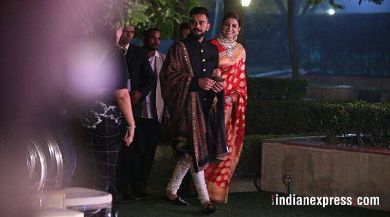 virat kohli, anushka sharma, virat anushka sabyasachi, virat anushka delhi reception, anushka red bridal look, anushka sharma bridal sari, anushka sharma benarasi, entertainment news, sports news, indian express