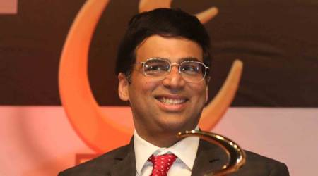 Viswanathan Anand draws with Wei Yi to stay in joint lead