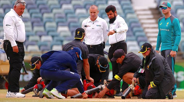 Ashes 2017: Controversy strikes fifth day wet pitch at WACA inPerth