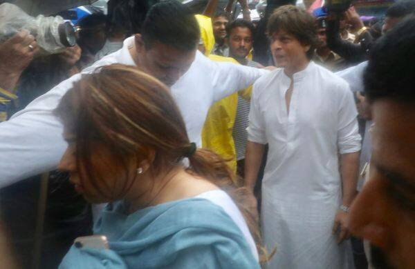 shashi kapoor creamtion funeral shah rukh khan