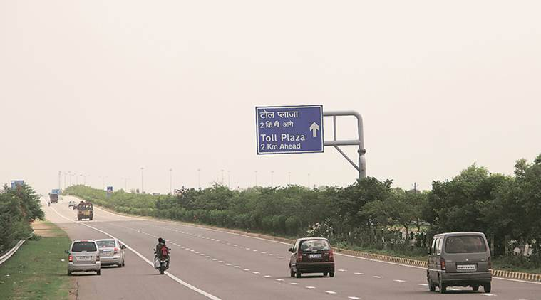 AIIMS doctors killed in auto accident on Yamuna expressway near Delhi