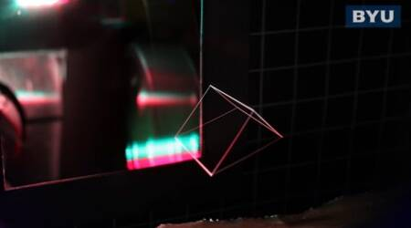 Scientists create 3D projections that display into thin air