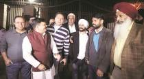 At HQ, AAP stays combative: Govt will not fall... what about parliamentary secys in BJP states?