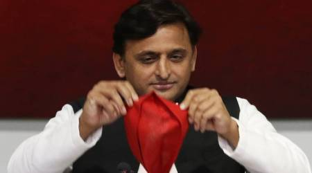 Akhilesh Yadav to contest Lok Sabha poll from Kannauj, Mulayam chooses Mainpuri