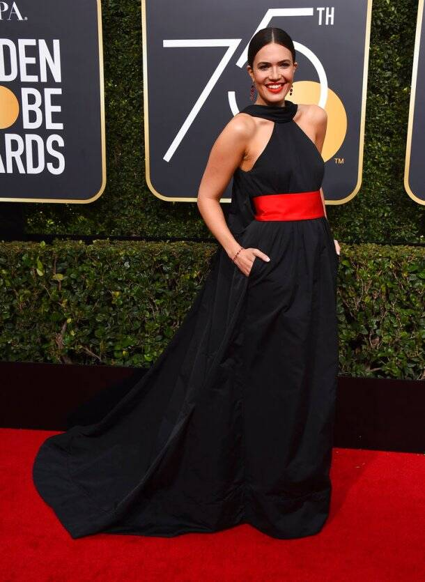 Emilia Clarke, Kit Harington, Gal Gadot and others at the 75th Golden Globe Awards red carpet