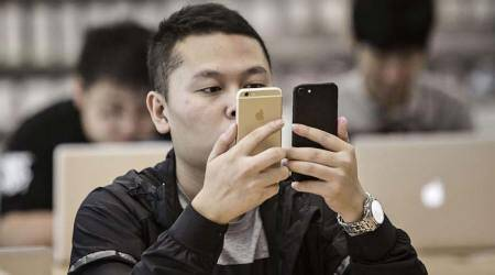 In a first, China's smartphone market declines by 4 per cent in 2017: Canalys