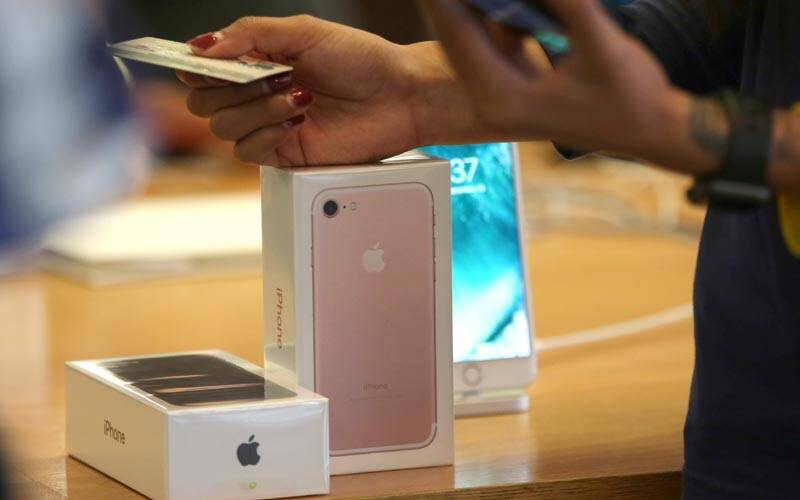 Apple, Apple iPhone battery, iPhone battery issue, Apple iPhone battery issue, Apple battery replacement, How to change iPhone battery, Apple authorised service