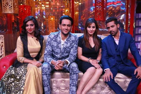 Shilpa, Vikas, Punesh and Arshi with the cast of Entertainment Ki Raat