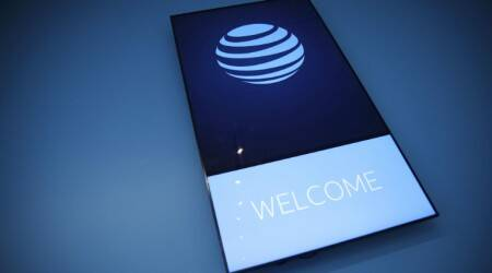 AT&T plans to offer 5G mobile phone service this year