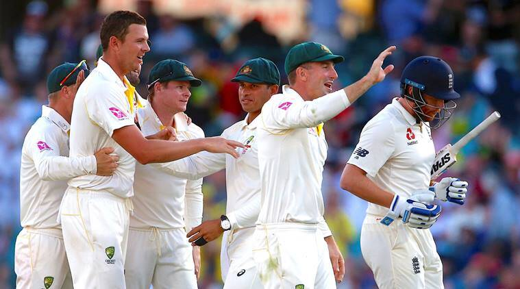 Australia players celebrate during the fifth Test Day 1 against England