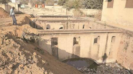 Haryana Urban Development Authority, HUDA, Gurgaoin heritage stepwell, heritage stepwell in Sohna Road, india news, indian express