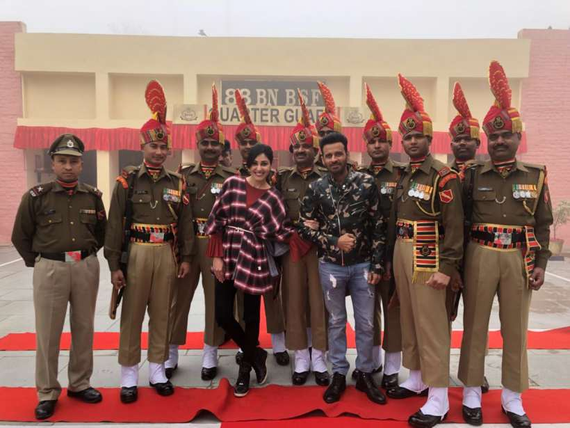 manoj bajpayee promotes aiyaary at wagha border