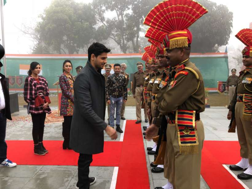 sidharth malhotra promotes aiyaary at wagha border on republic day
