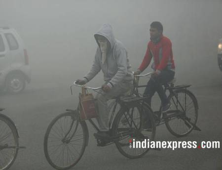 Thick fog engulfs parts of Delhi-NCR, UP, Bihar; no respite from cold wave in northern India