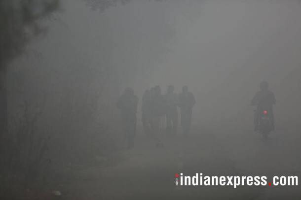 From under the blanket of fog, Delhiites wake up to a hazy Saturday