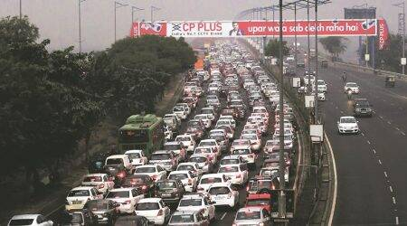 Traffic comes to standstill as Delhi chokes on rain, Republic Day rehearsals