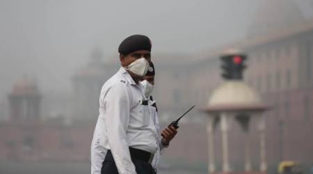 Moderate fog in Delhi, eight trains cancelled