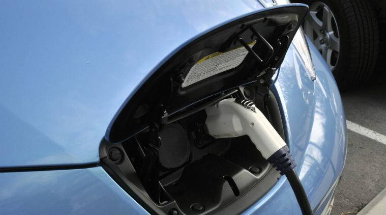 UK electric cars, nuclear power plants, electric vehicles, coal-powered plants, Hinkley nuclear station, EV charging, thermal power plants, electric charging stations, renewable energy sources, clean energy goals