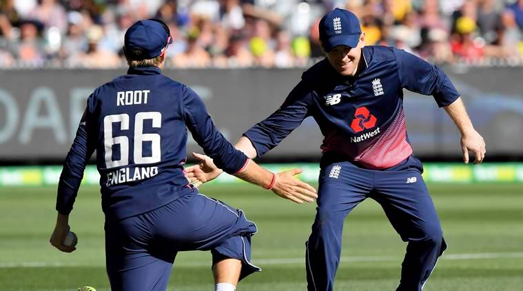 Australia makes 304-8 in 1st ODI vs England