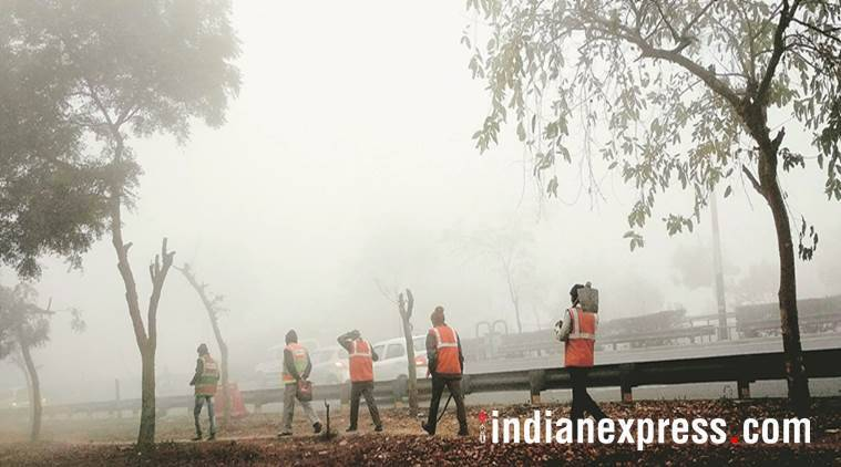 fog, delhi weather, fog in delhi, imd, delhi weather today, visibility, weather dept, temperature, indian express