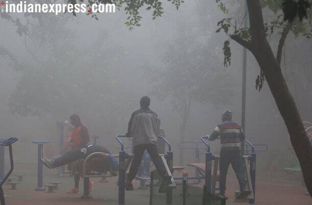 Delhi fog, Delhi worst fog, Delhi dense fog, Delhi weather, Delhi flights cancelled, Delhi news, India news, fog photos, New Year fog, Indian Express news