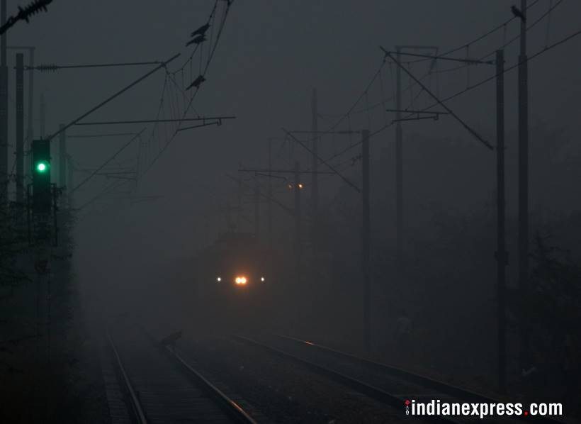 Flights, trains service continue to delay in Delhi