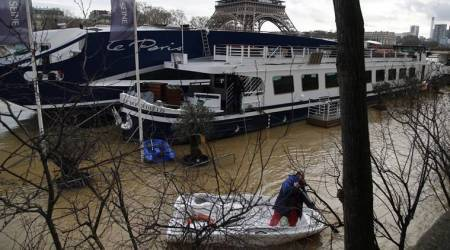 Hundreds evacuated in Paris as Seine water level rises